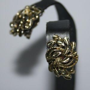Beautiful vintage gold earrings